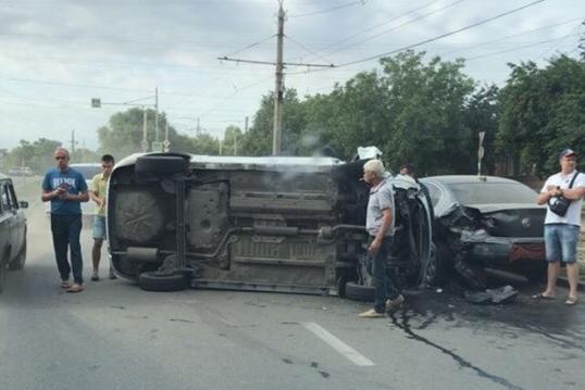 Авария случилась рано утром на Мичуринской