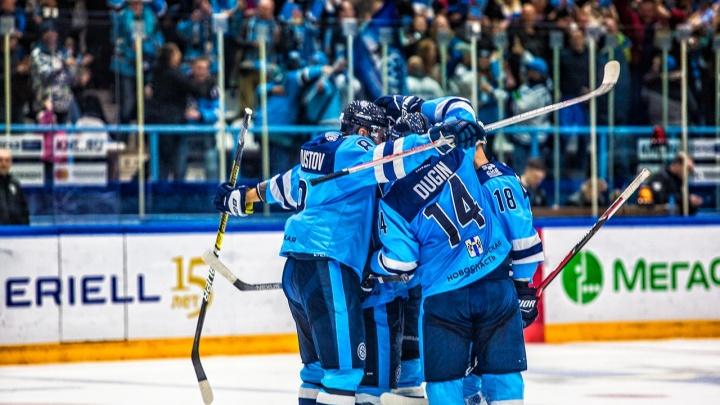Болельщикам предложили выбрать тройку лучших игроков ХК «Сибирь» в матче с минским«Динамо»