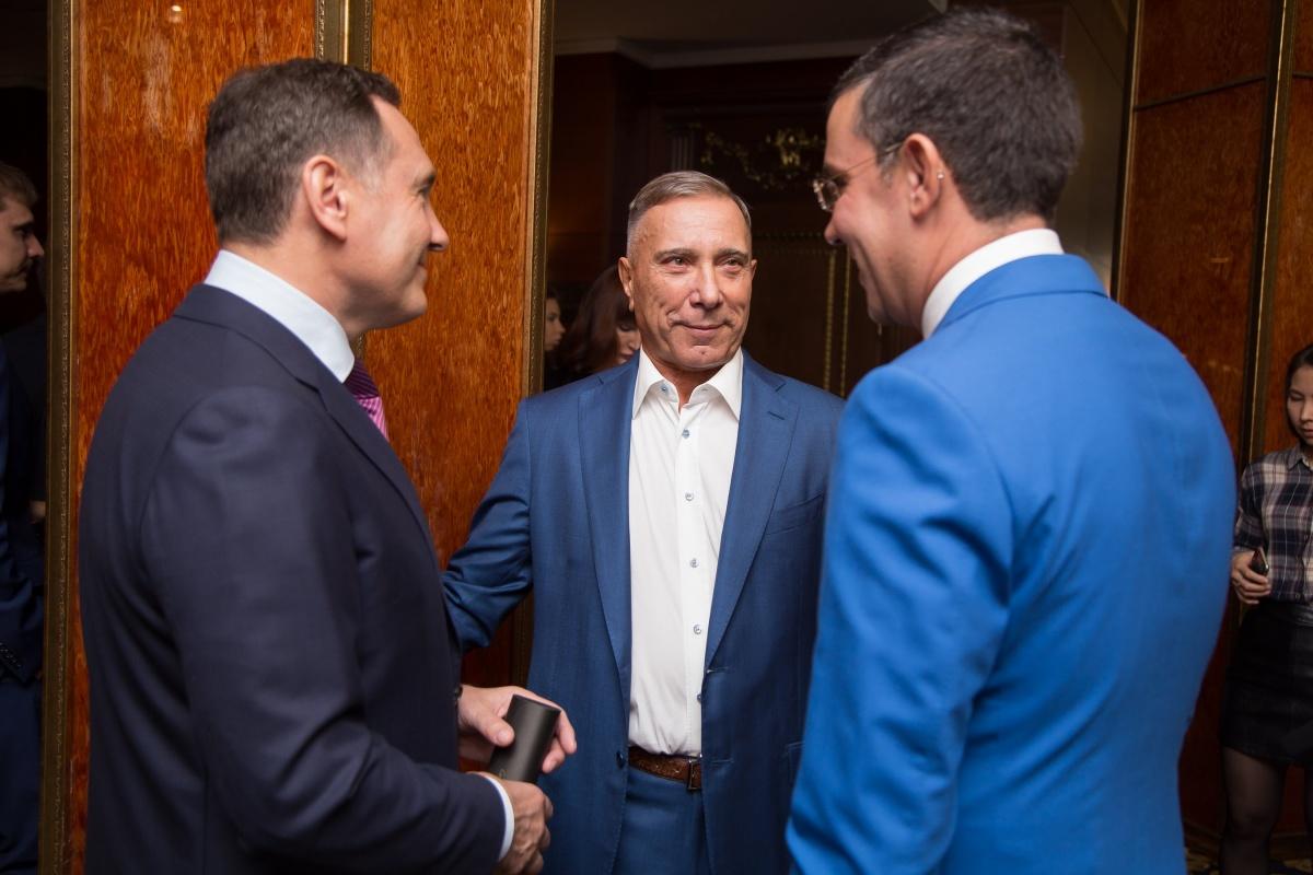 Валерий Бондаренко, Александр Аристов, Юрий Фишер — хоть один из них должен был задекларировать рекордные цифры