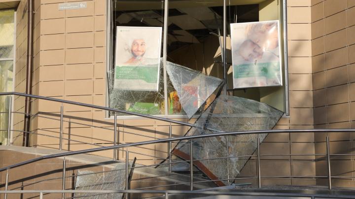 Сумма устанавливается: налетчикам удалось похитить деньги из поврежденного банкомата