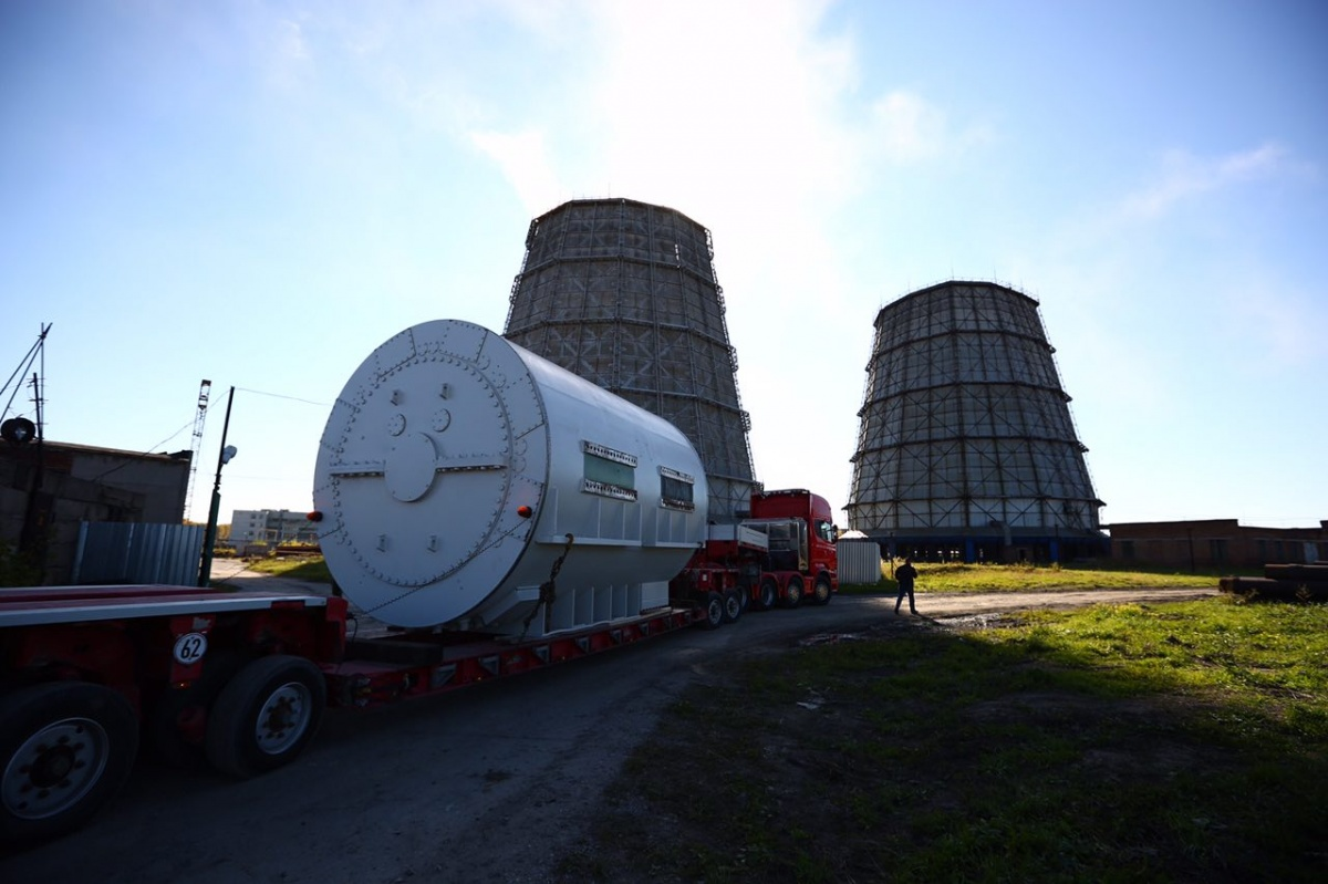 Погрузка и перевозка оборудования для ТЭЦ-4 заняла почти восемь часов