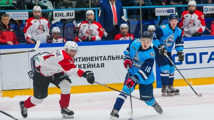 Хоккей: «Сибирские снайперы» обыграли «Спутник» с большим отрывом
