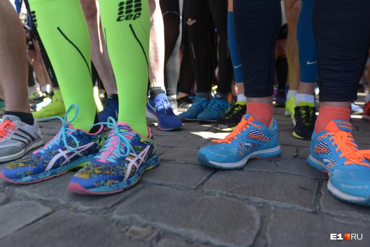 Одежда и обувь для марафонов должны быть значительно легче, чем просто для прогулок
