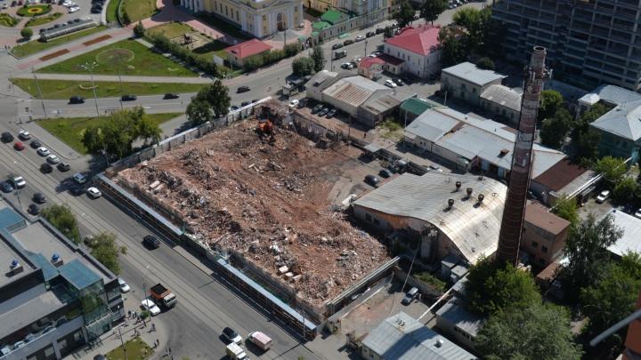 Рассматриваем с высоты руины «Бодрости»: обломки легендарной бани начали вывозить с Куйбышева