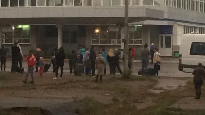 С Южного автовокзала Уфы эвакуируют людей