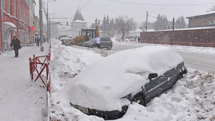 Депутаты предложили штрафовать ярославцев, чьи машины мешают уборке дорог