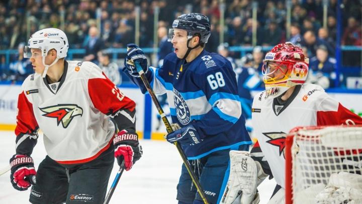 Высушили: «Сибирь» забила три безответные шайбы «Авангарду»