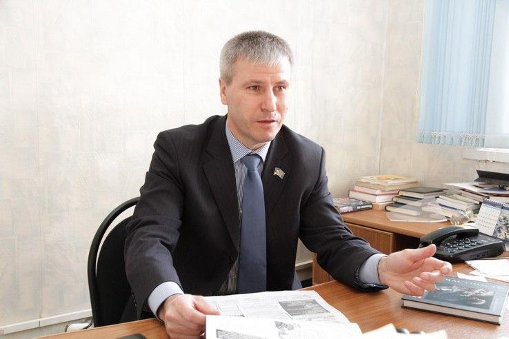 Депутата обвиняют в получении крупной взятки
