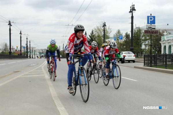 В гонке приняли участие как любители, так и профессиональные спортсмены