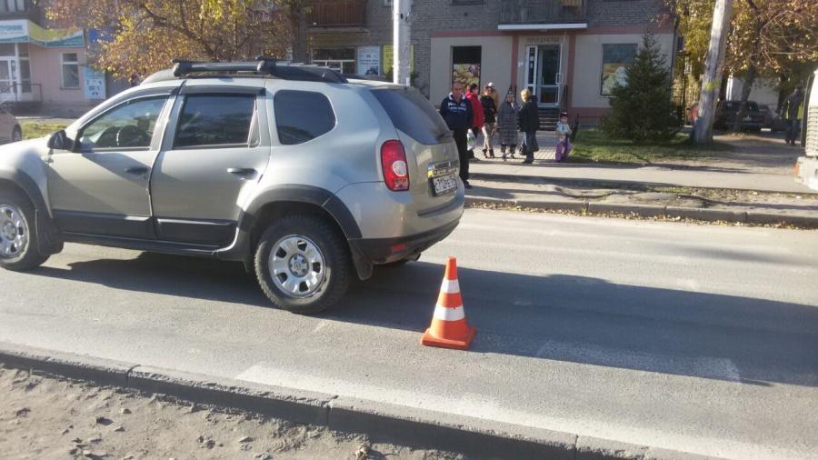 2-х школьников сбил автомобиль напешеходном переходе вНовосибирске