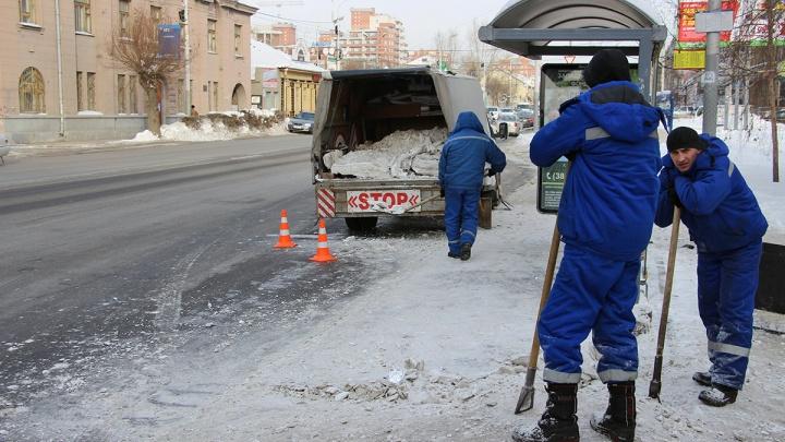 Дорожники 1 января выйдут в 4 утра, чтобы убрать мусор после праздника