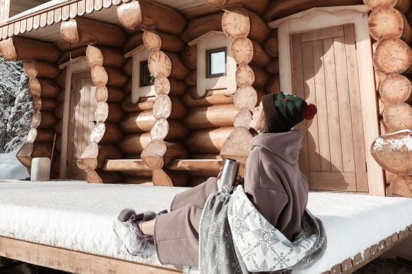 Недавно в отеле построили кедровую баню ручной рубки