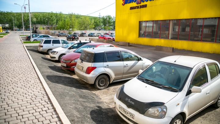 Мать оштрафовали на 10 тысяч за брошенного в машине на жаре ребёнка