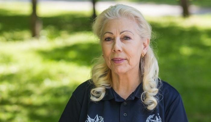«За мной ухаживал министр здравоохранения»: первый косметолог города — о молодильной сметане и любви