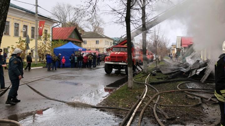 «Страшно кричали девчонки»:очевидец пожара в Ростове рассказал, как всё началось