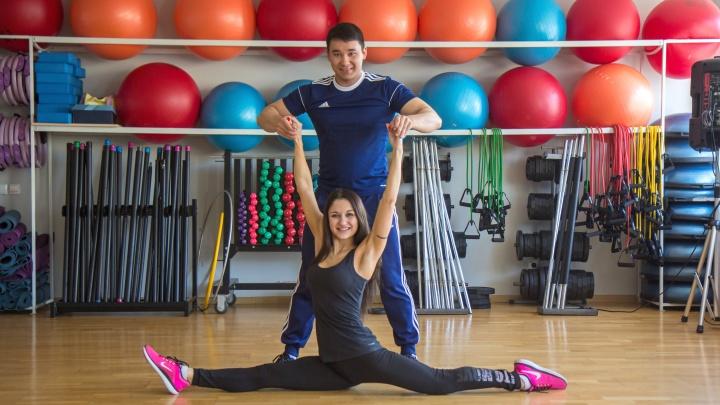 Тянем-потянем: три эффективных упражнения на растяжку, которые можно выполнять вместе с любимым