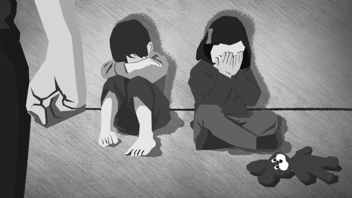 «Целовал сына в шею до засосов»: история екатеринбурженки, воспитавшей двух детей педофила