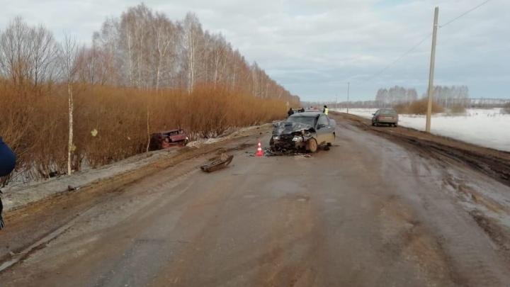 В Башкирии рядом с Янаулом столкнулись две «десятки», один из водителей в реанимации