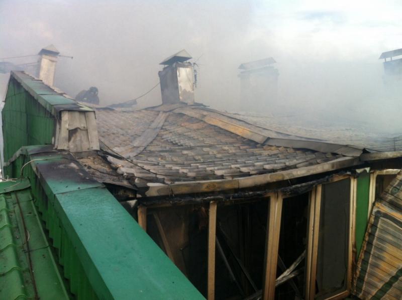 Несколько семей сумели выбраться сами, остальным помогли пожарные