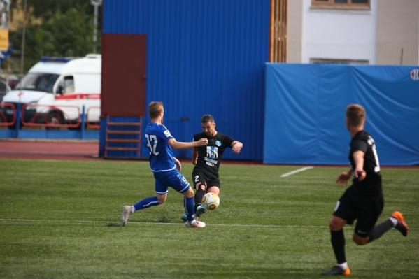 Новосибирцы одержали первую победу в домашнем матче