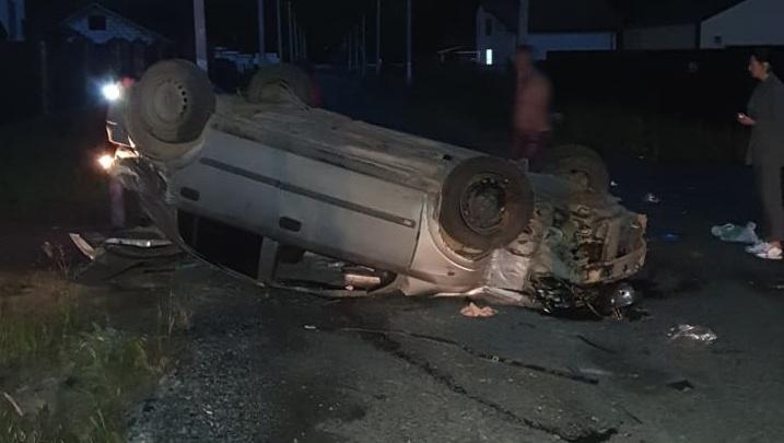 «Я думал, дом рухнул»: под Косулино безмятежный водитель снес электрический столб и перевернулся