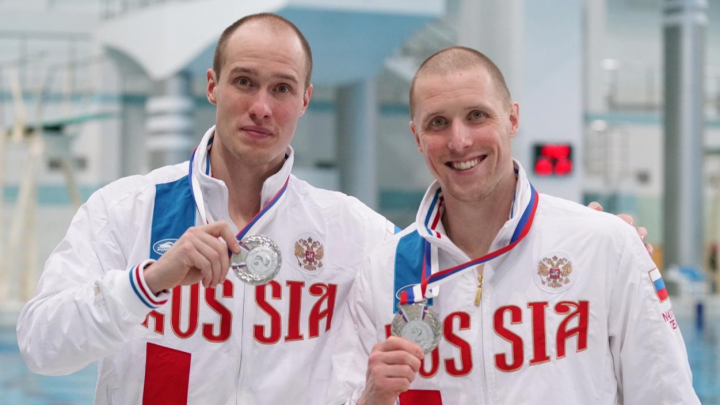 «Боремся за каждый прыжок»: братья из Екатеринбурга завоевали серебро на Кубке России по прыжкам в воду