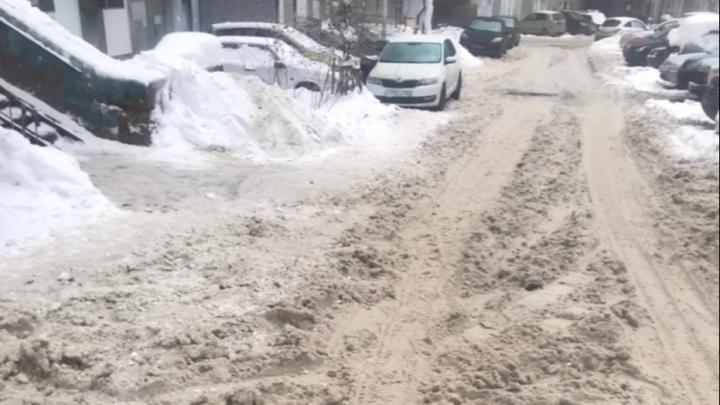 Осторожно, работает бульдозер: какие дворы в Уфе расчистят от снега 8 января