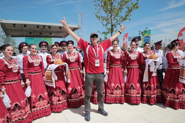 Болельщики пока веселятся в другом Ростове
