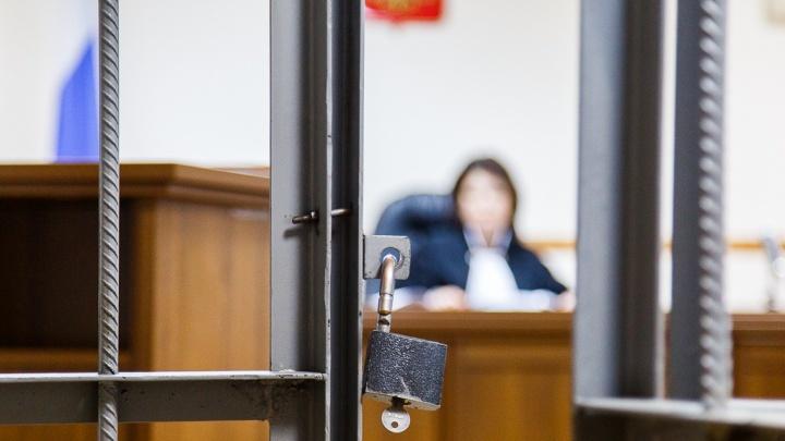 Угрожавший убийством волгоградец бежал из суда и избил пристава