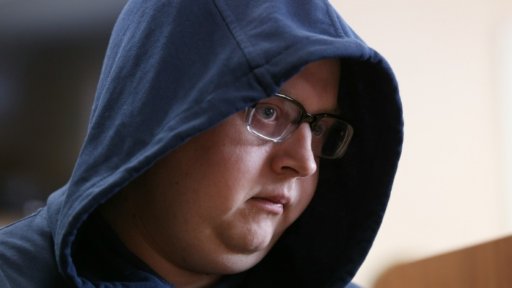 «У меня нервы»: фигурант дела «Синего кита» заявил в суде, что не признаёт вину