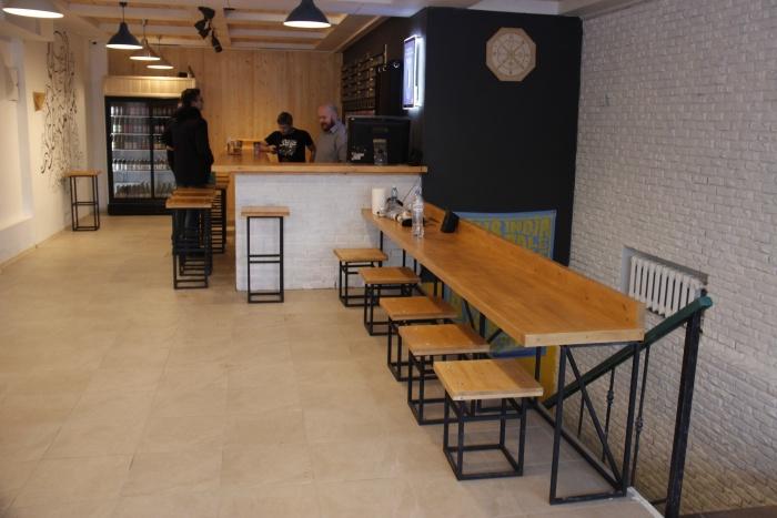 Пока в баре работает только основной зал на первом этаже, но вскоре должен появиться и подвал