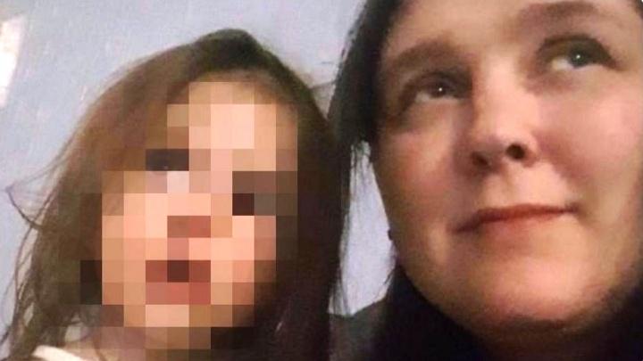 Россиянка заявила, что омичка забрала у неё ребёнка. Омбудсмен утверждает — девочке лучше с родными