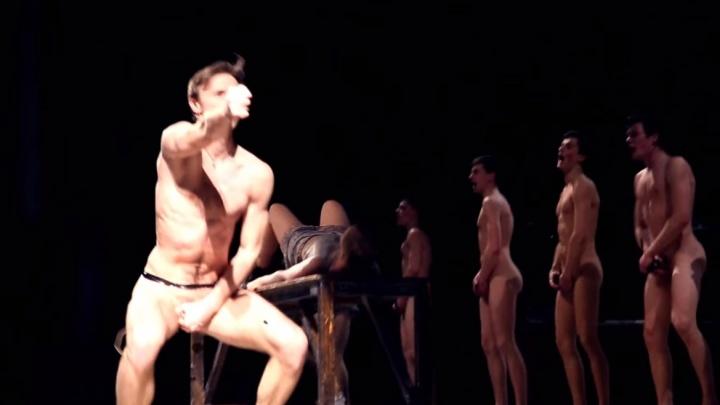 «Теперь театр надо мыть с хлоркой!»: ярославец потребовал судить голых актёров на сцене Волковского