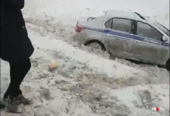 Машина МВД вылетела в кювет: в массовой аварии пострадали трое полицейских из Башкирии