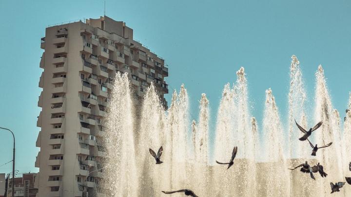 13 домов-гигантов, которые могли появиться только в России. Есть здесь и тюменский«муравейник»