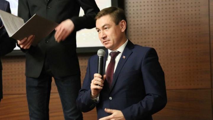 Главу района в Челябинской области отдали под суд за мошенничество с жильём для жены