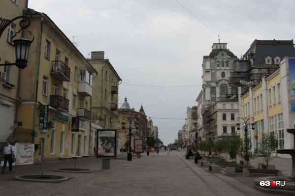 Много памятников архитектуры сосредоточено на улице Ленинградской