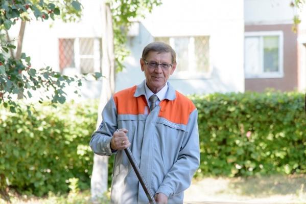 Николаю Остудину 66 лет