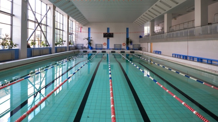 В Екатеринбурге для съёмок фильма ищут бассейн, чтобы сделать из него офис