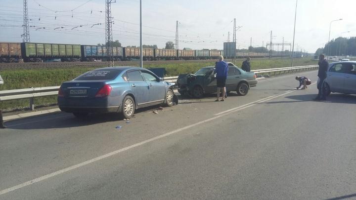 Подробности массового ДТП под Новосибирском: машина на «встречке» убила молодого водителя