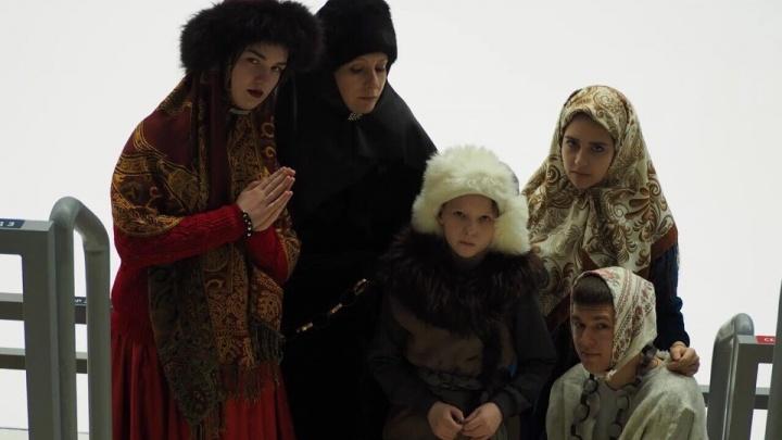 Снегурочки, лисята, медвежата: изучаем костюмы красноярцев, которые претендуют на звание лучшего