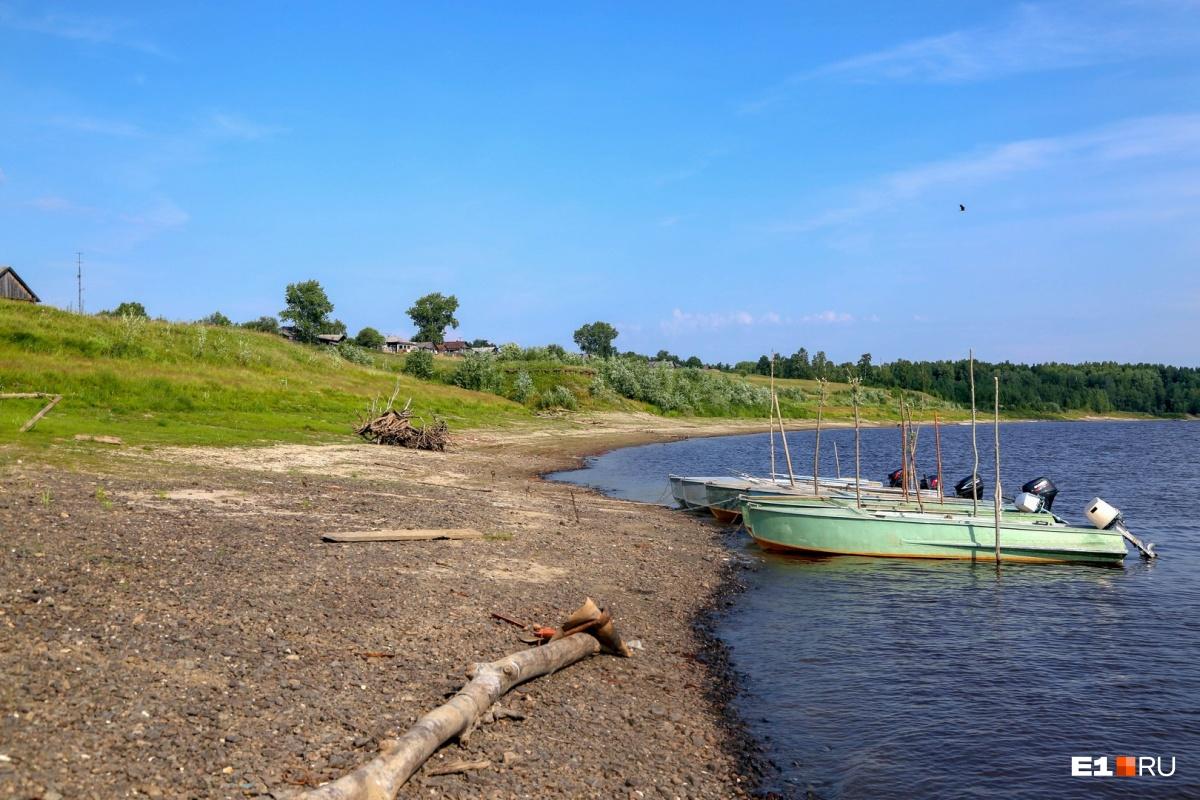 Деревенские не понимают, почему им пытаются ограничить рыбную ловлю, которой они занимались всю жизнь