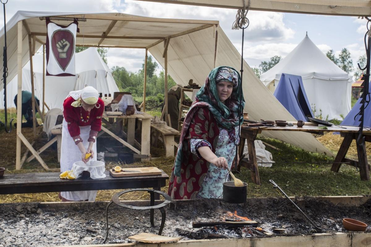 Анастасия утверждает, что в средневековой Руси была в моде европейская кухня