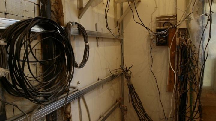 Теперь будут мотать срок: курганцев осудили за кражу 500 метров интернет-кабеля