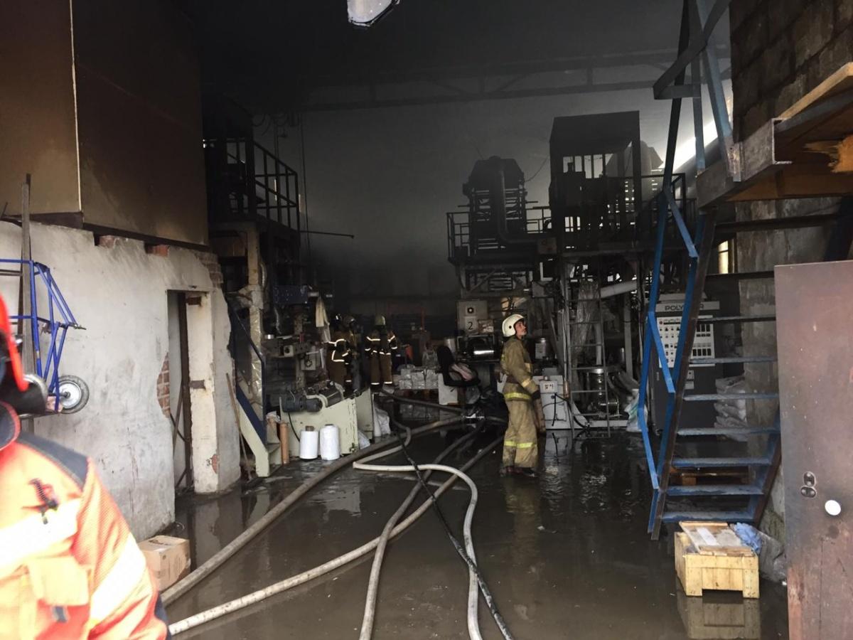 На ЖБИ в цехе по производству полиэтиленовых пакетов вспыхнул пожар