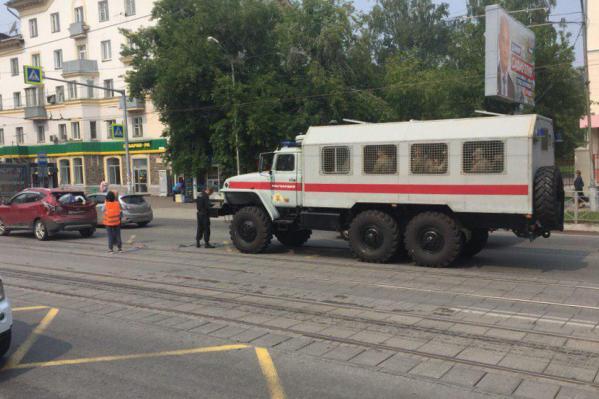 Авария произошла напротив ДК «Горького»