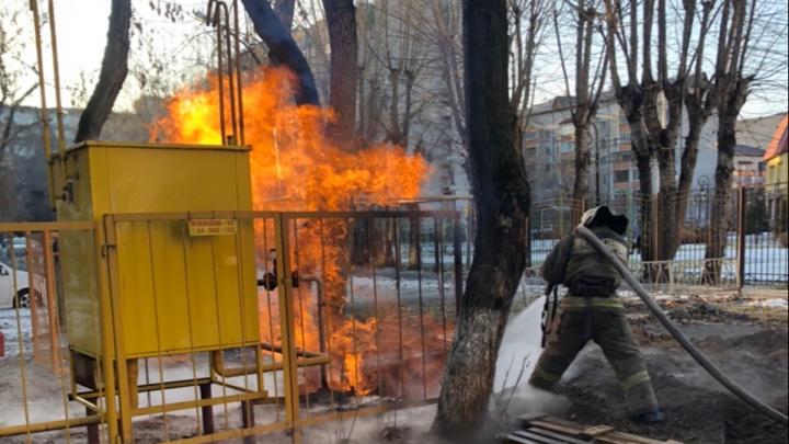 На Холодильной в Тюмени горит газ. На месте работает МЧС