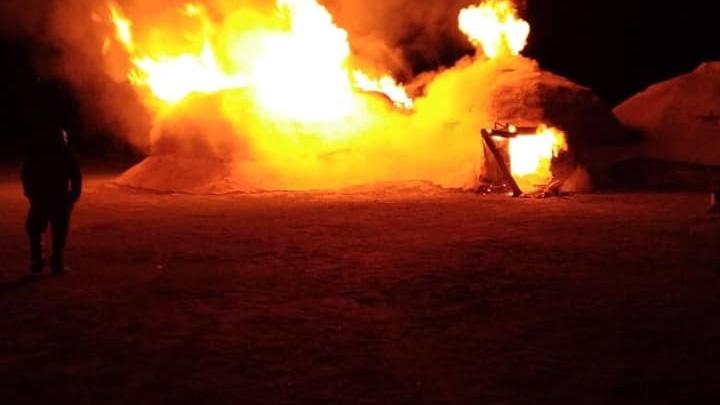 В Челябинской области в Аркаиме сгорели жилища каменного века
