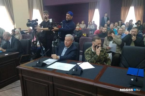 На слушания пришёл экс-губернатор области Леонид Полежаев