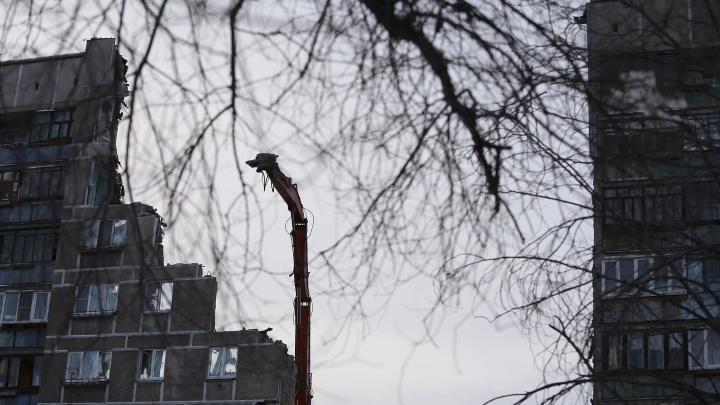 Всё по плану: глава Магнитогорска опроверг информацию о нештатном обрушении уцелевшей стены дома